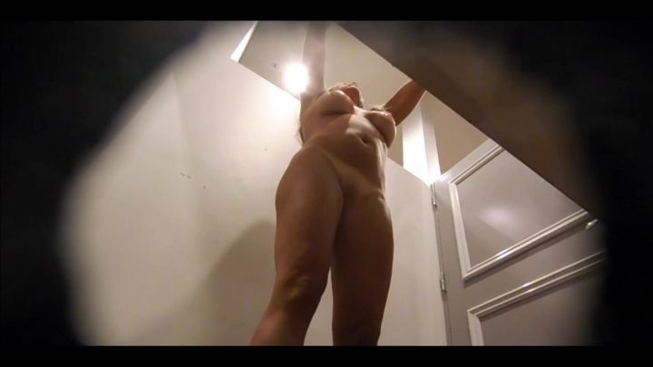 Fitting room 25