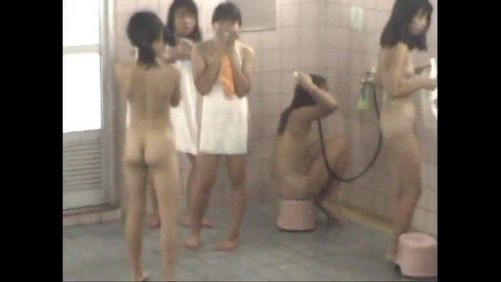 syu193 修学旅行生の旅館に潜伏☆着替えとお風呂をまるごと!7本
