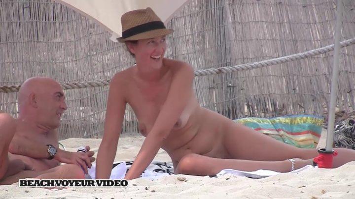 Beach Voyeur HD Nude 521