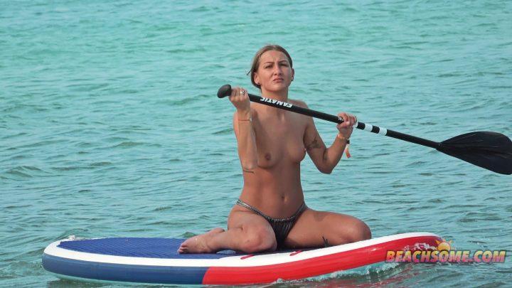 Beach Voyeur 4K Nude 4052
