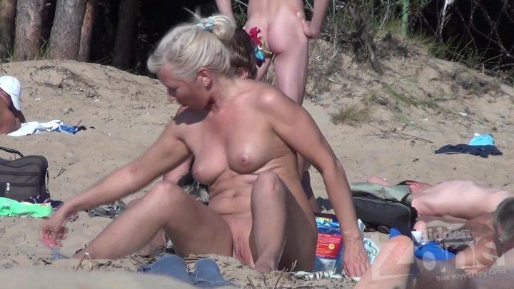 Voyeur beach video south of France