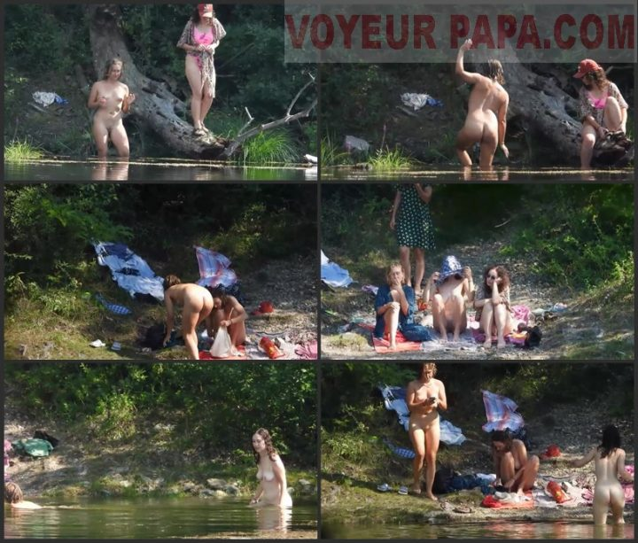 4 Girls Nude